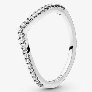🍓Pandora Sparkling Wishbone Ring